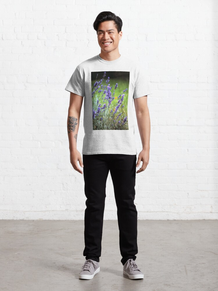 Alternative Ansicht von Der Lavendel Classic T-Shirt