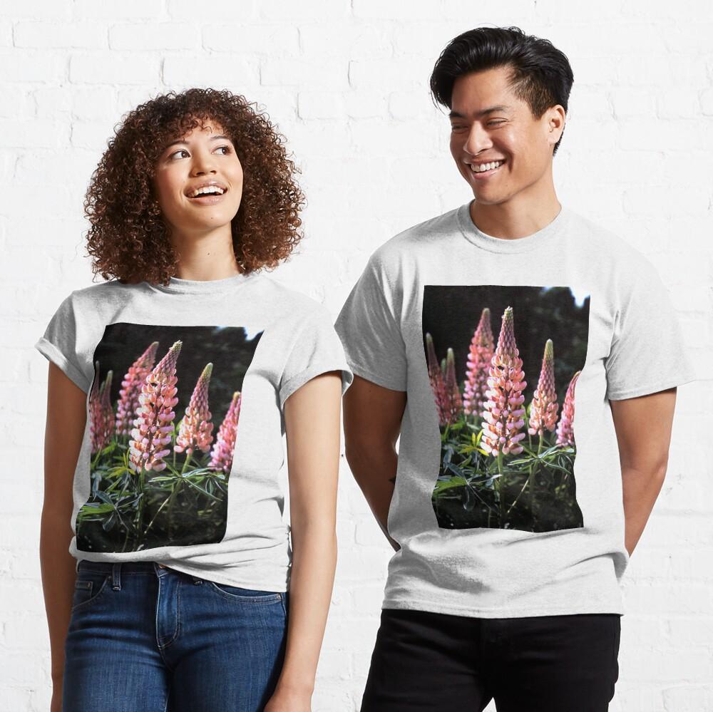 Lupinen-Blüten Classic T-Shirt