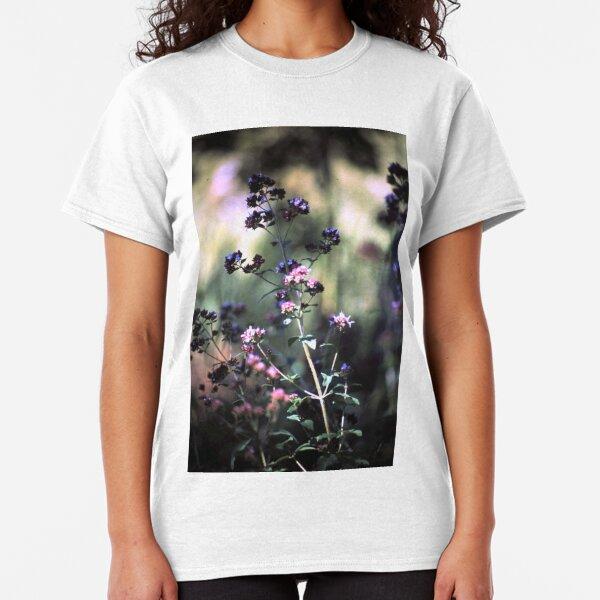 Blühender Oregano Classic T-Shirt