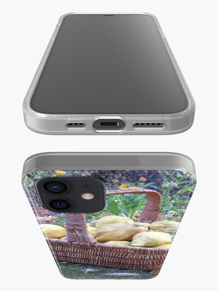 Alternative Ansicht von Quitten im Korb iPhone-Hülle & Cover