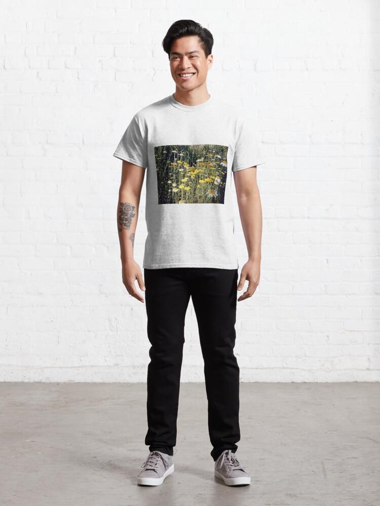 Alternative Ansicht von Färber-Kamille Classic T-Shirt