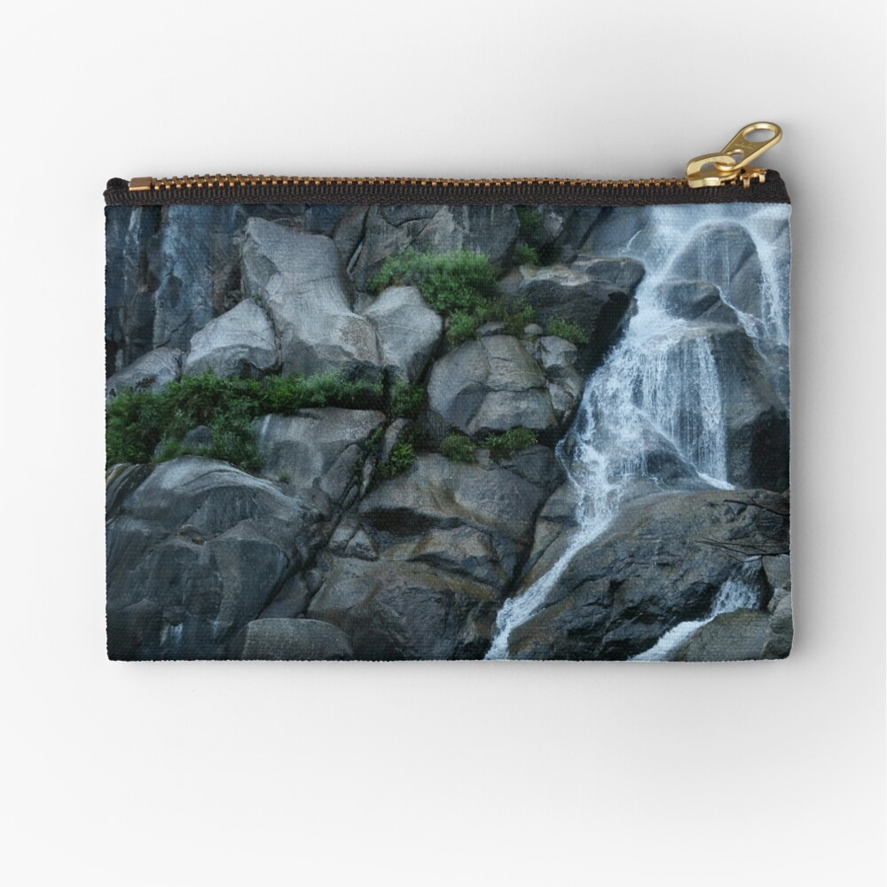 Grizzly Falls Zipper Pouch