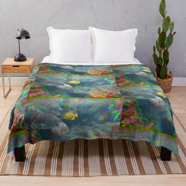 Hawaii Lagoon Splash Throw Blanket