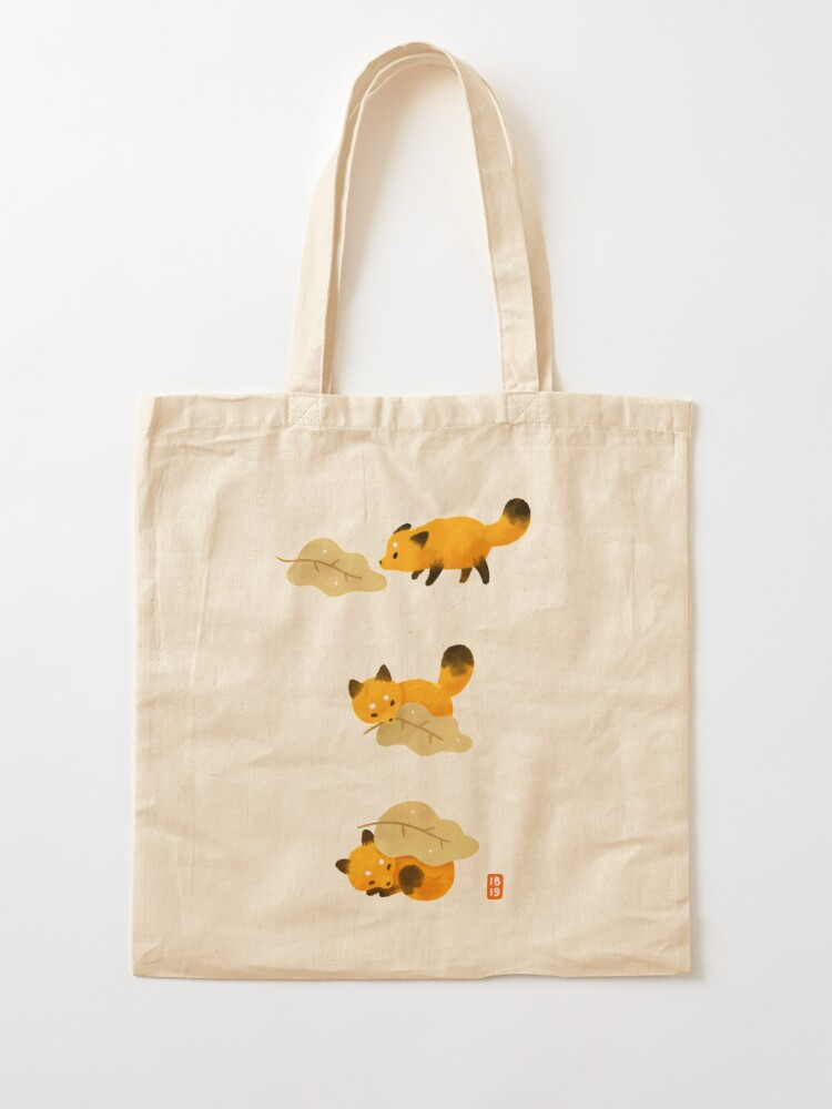 Alternate view of Fox and leaf blanket Tote Bag