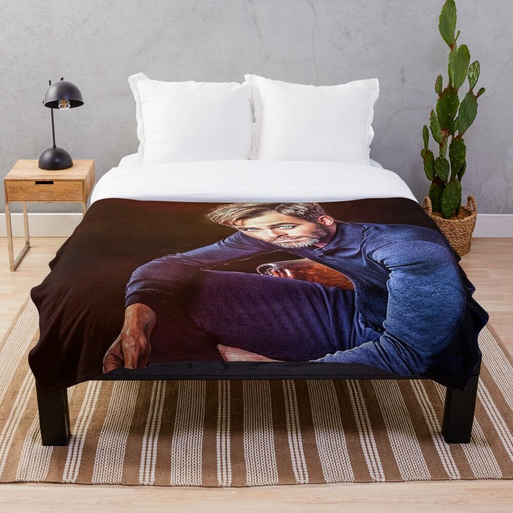 Chris Pine Throw Blanket