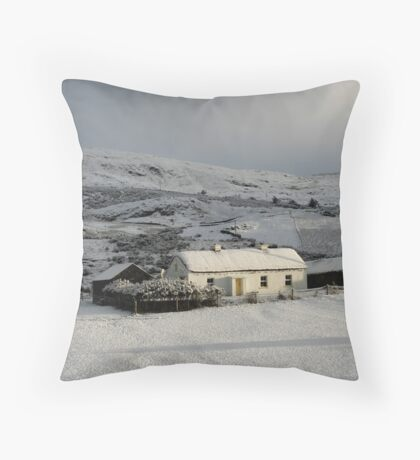 Fullers cottage Throw Pillow