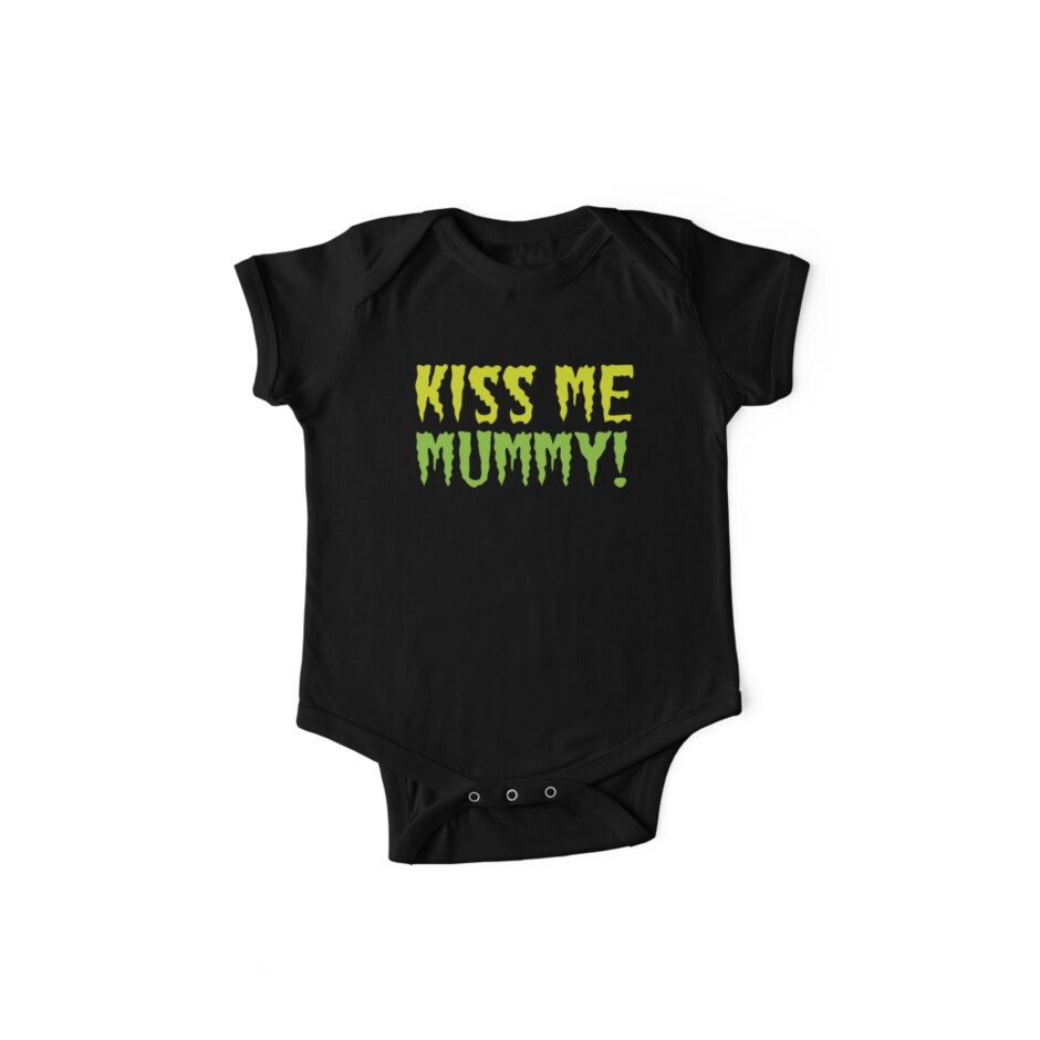 KISS ME MUMMY! funny Halloween kissing mum design by jazzydevil