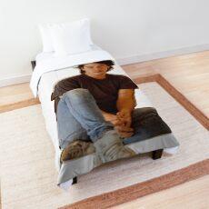 Dreamy Keanu Comforter