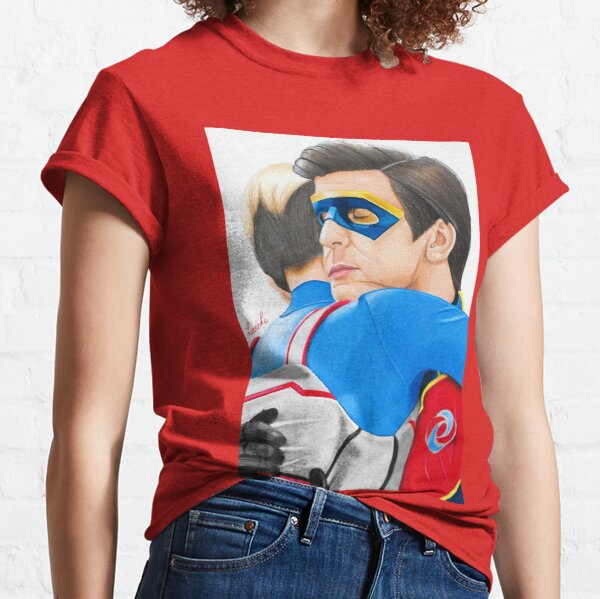 Captain Man and Kid Danger - Hug Traditional Camiseta clásica