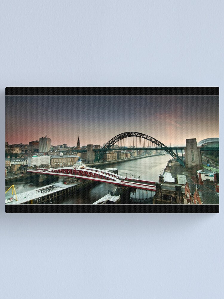 Alternate view of The city wakes Canvas Print