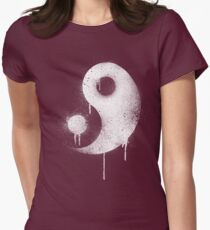 Graffiti Zen Master - Spray paint yin yang Womens Fitted T-Shirt