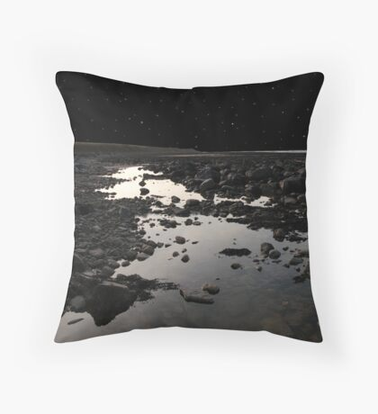 full moon over rocky beal beach Throw Pillow