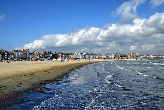 Beach Scene at Weymouth Dorset UK by lynn carter