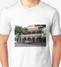 Palace Hotel, Childers, Queensland T-Shirt