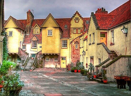 Old Edinburgh Mews by Don Alexander Lumsden (Echo7)