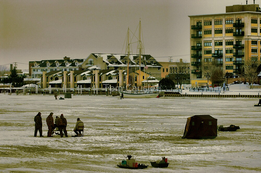 Ice fishin 39 saginaw river bay city mi by tom causley for Saginaw river fishing report