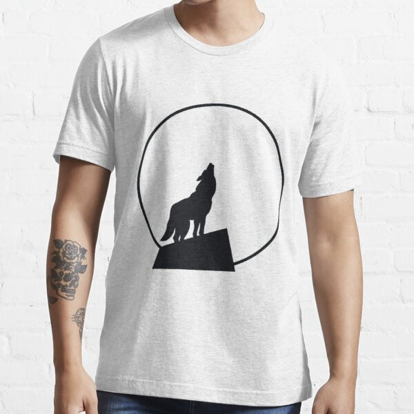 Wolf Howling At The Moon Essential T-Shirt