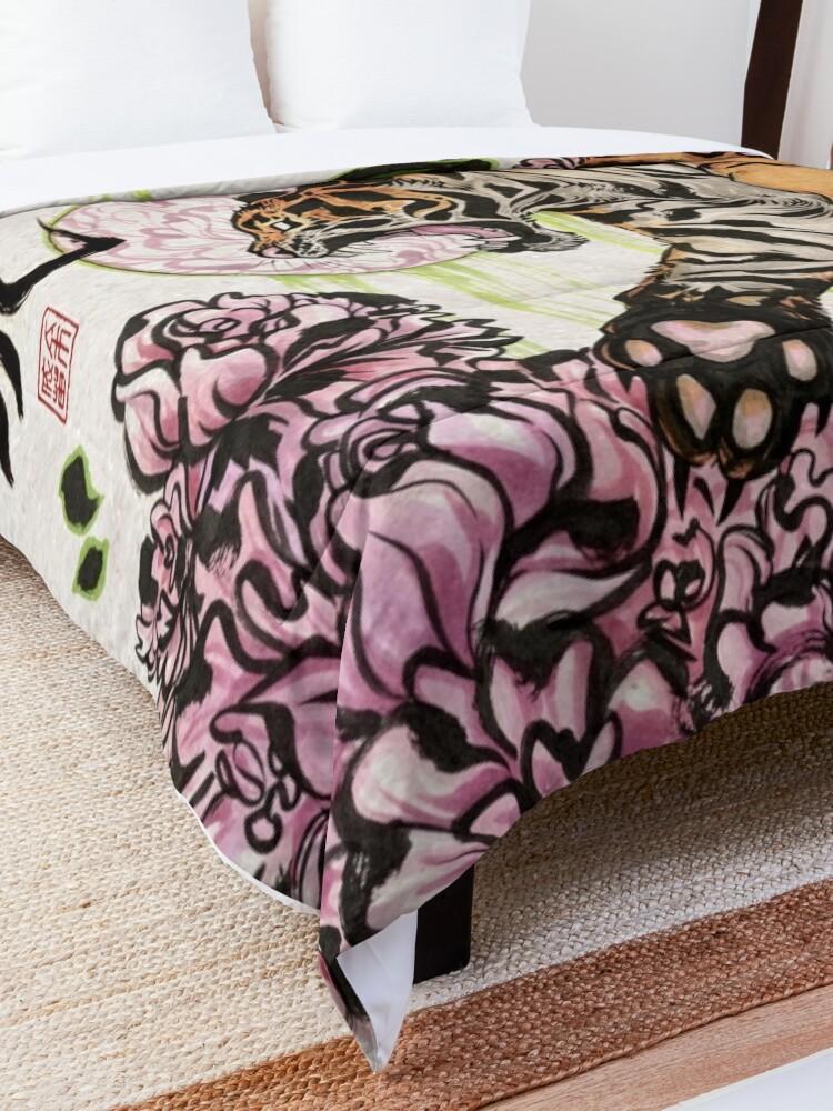 Alternate view of Tiger Comforter