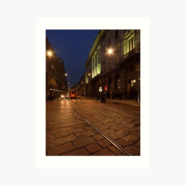 Per le vie di Milano di sera Art Print