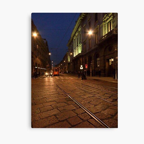 Per le vie di Milano di sera Canvas Print