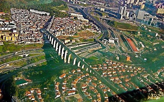 Aqueduto das Águas Livres    Lisboa   Portugal by BaZZuKa