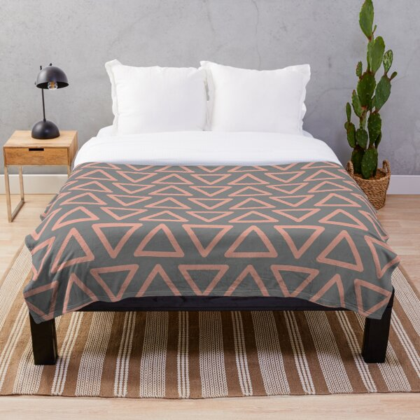 Trokutan (Coral) Throw Blanket