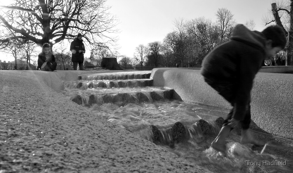 Diana Princess of Wales memorial fountain by Tony Hadfield