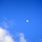 Daylight moon by islefox