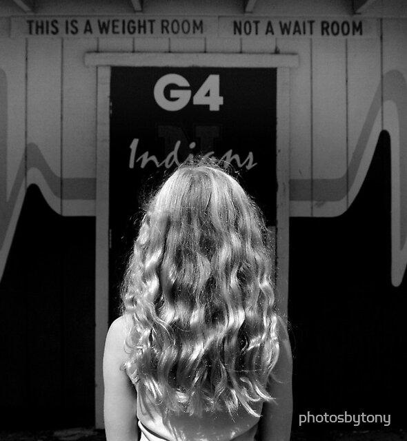 Weight Not Wait by photosbytony
