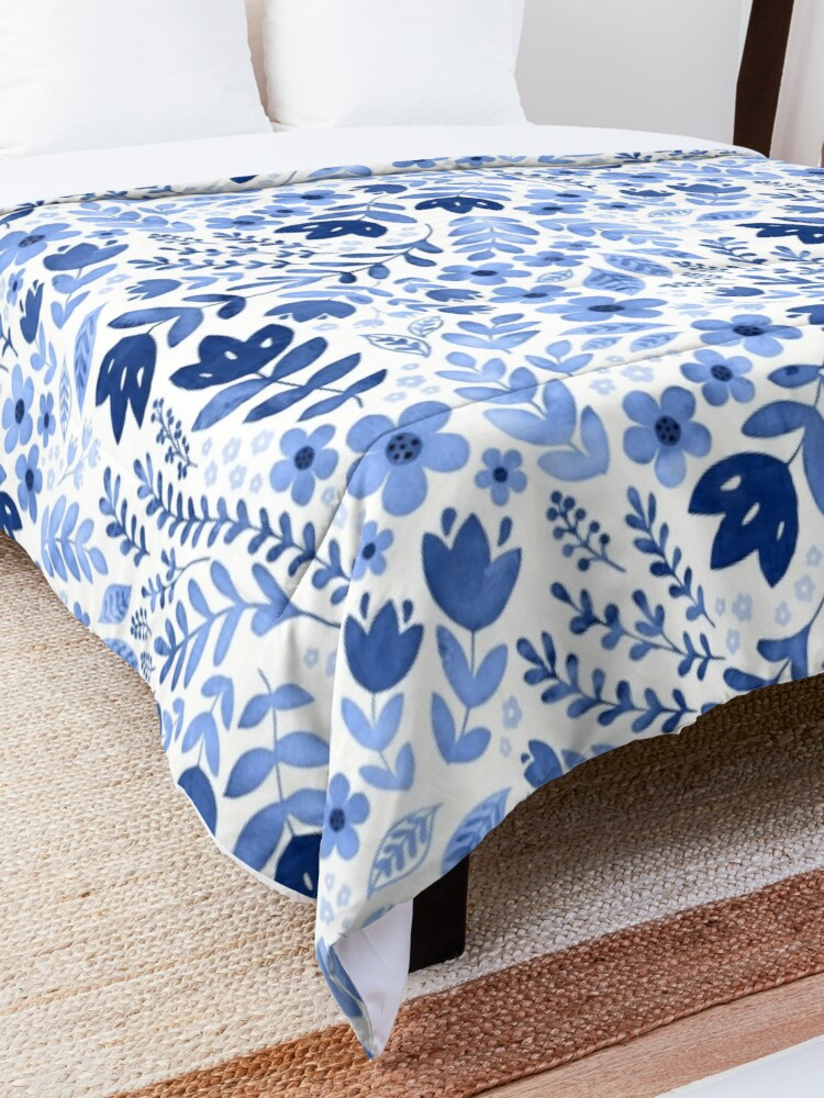 Alternate view of Blue watercolour floral  Comforter