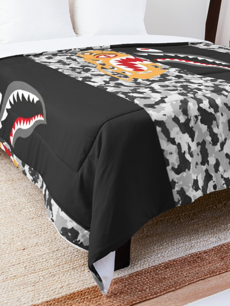 Alternate view of Untitled Comforter
