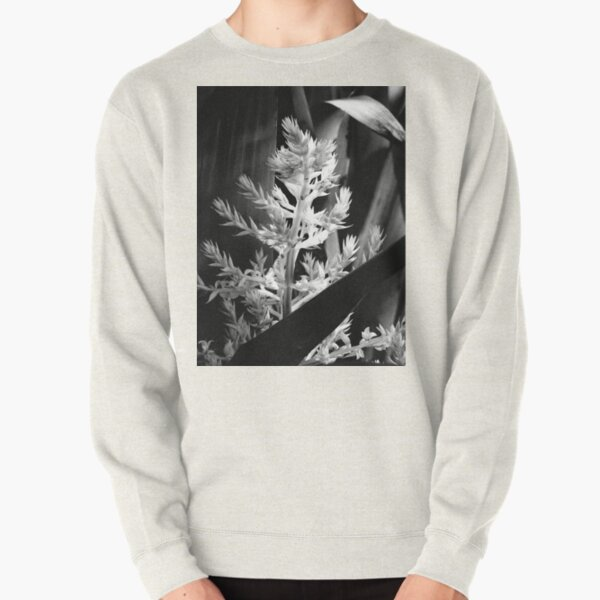 In the shadows #2 Pullover Sweatshirt