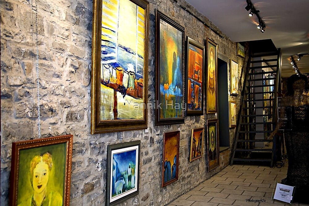 Gallerie d'Art, Place Royale by Yannik Hay