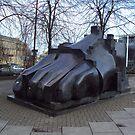 Edinburgh's Big Foot by biddumy