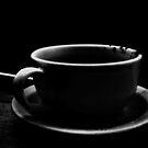 Cafe ya bebido  by Elizabeth Rodriguez