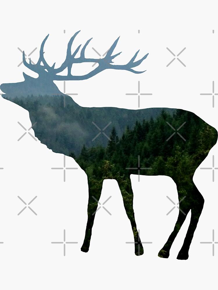 Hirsch mit Wald, Bäumen und Bergen von rhnaturestyles