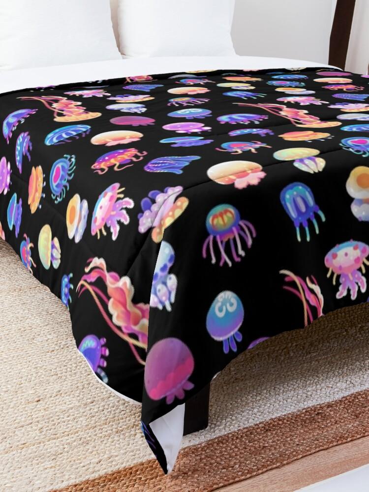 Alternate view of Jellyfish Day Comforter