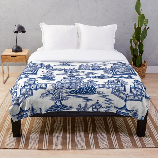 Blue Willow Ancient Ming China - Blue And White Chinoiserie  Throw Blanket