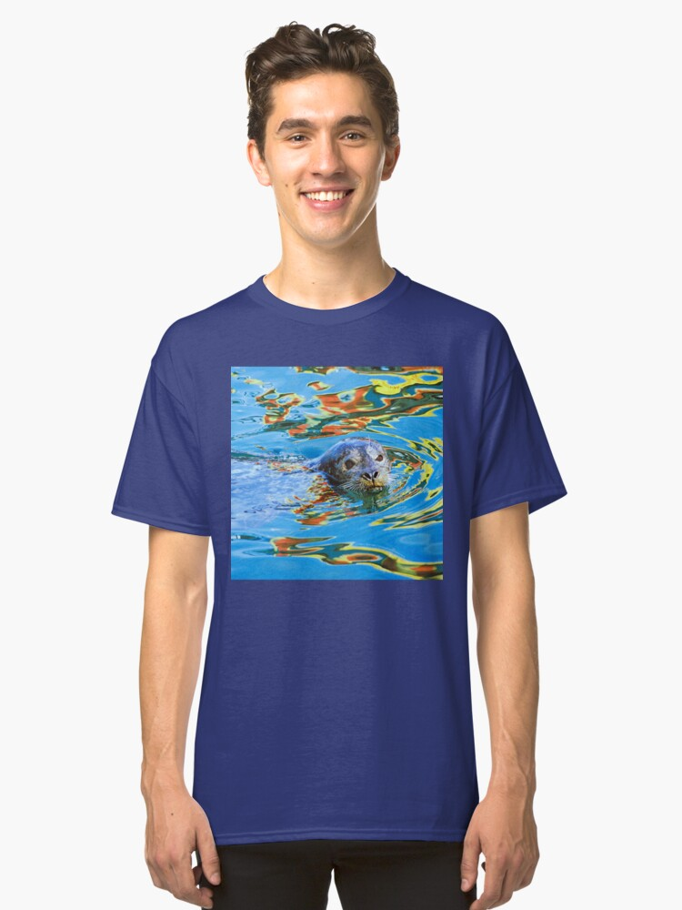 Alternate view of Harbor Seal in reflected color Classic T-Shirt