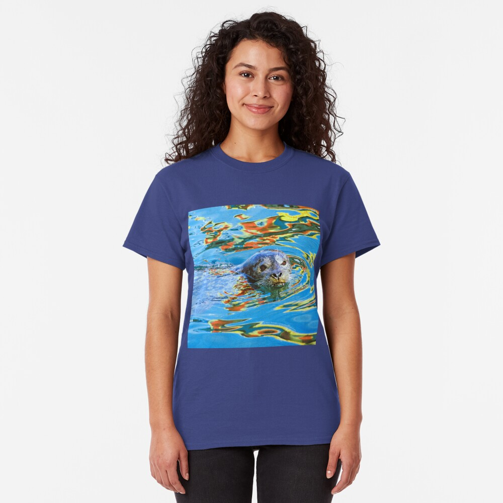 Harbor Seal in reflected color Classic T-Shirt