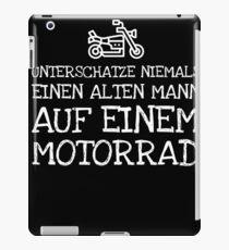 Unterschatze Niemals Einen Alten Mann Auf Einem  iPad Case/Skin