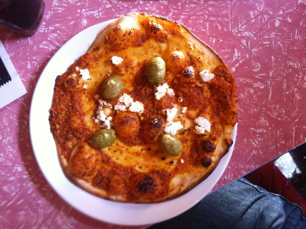 Pizza Pesto Peperone by Team Bimbo