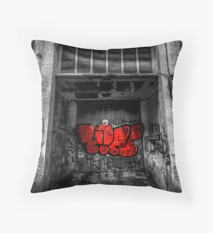Would you sleep here? Throw Pillow