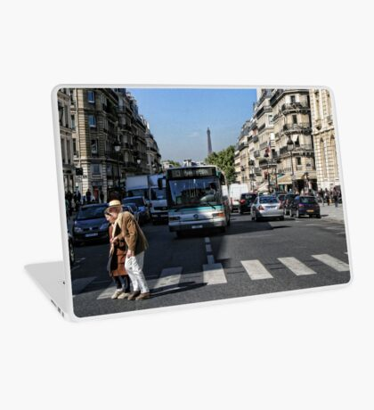 Crossing the road Laptop Skin