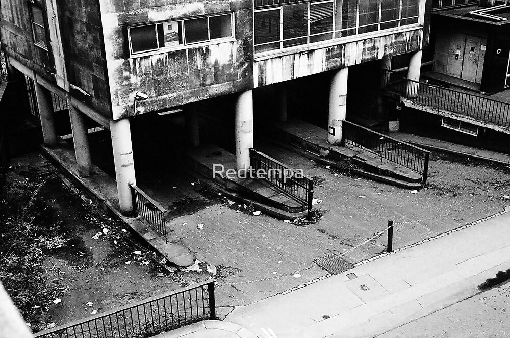 LONDON TRIP 35MM PT9 by Redtempa
