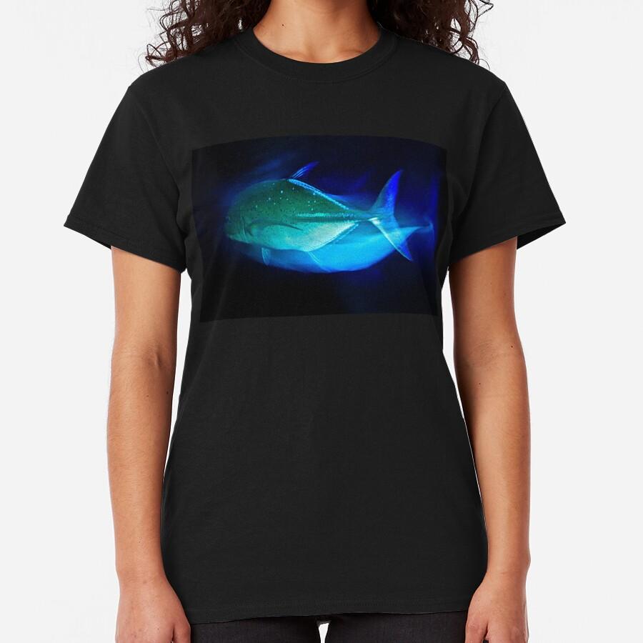 VIAJANDO TREVALLY! Camiseta clásica
