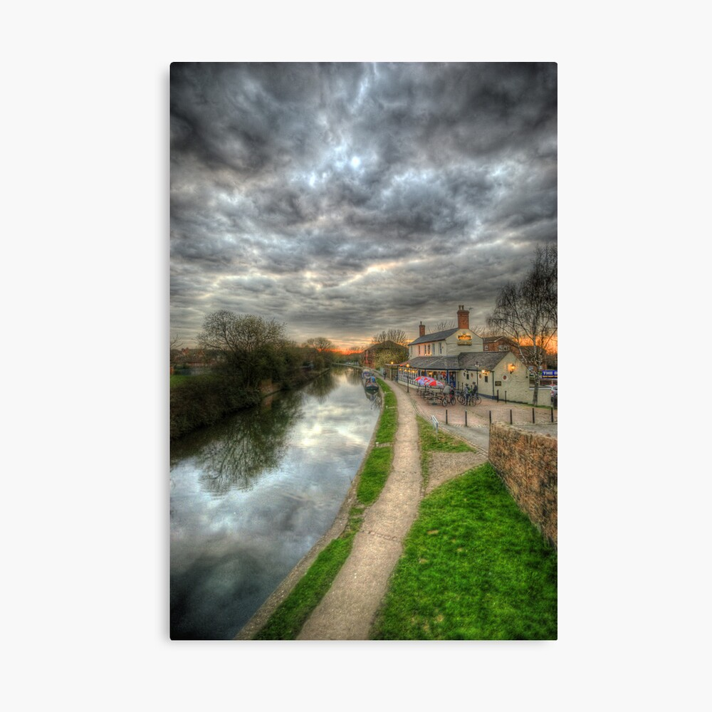 Moody Sunset At The Boat Inn Canvas Print