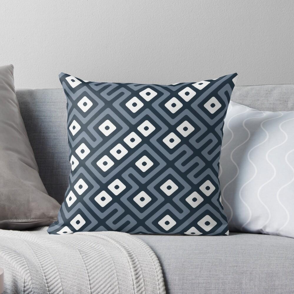 Maze Abstract Pattern - Gray / White Throw Pillow