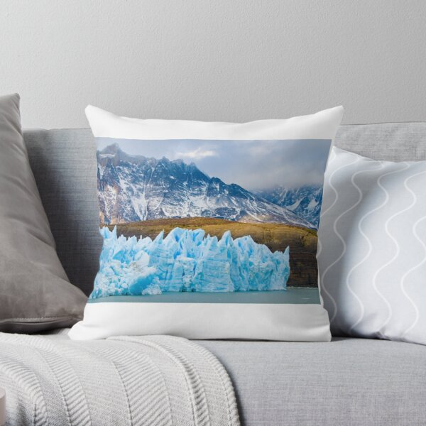 chile landscapes Throw Pillow
