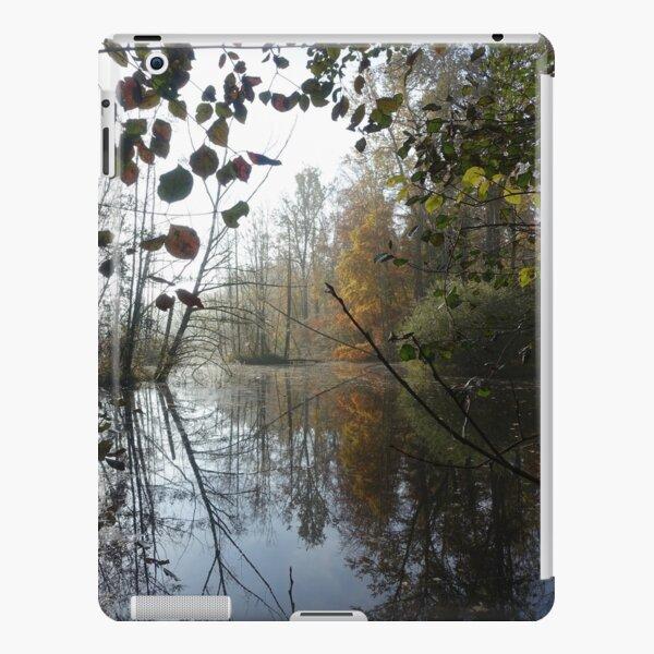 Hidden lake iPad Snap Case